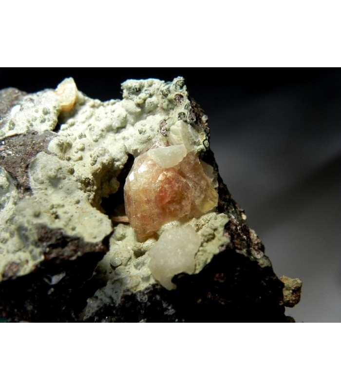 Chabasite var phacolite - S abrile area Osilo Italy
