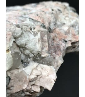 M16t537 - Bavenite, Chabasite, Baveno, Piedmont, Italy