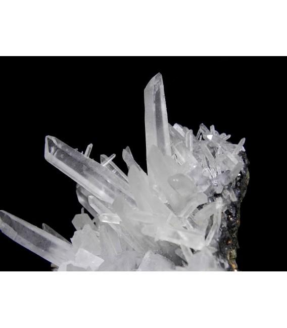 Getchellite  -  NKhaidarkan Sb-Hg deposit, Fergana Valley, Alai Range, Osh Oblast, Kyrgyzstan
