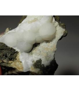 Tetranatrolite analcime -  Palogonia Catania Italy